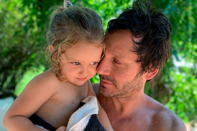 Magnolia y Benjamín Vicuña Mori, en la foto que el actor chileno le dedicó a su hija en su tercer cumpleaños