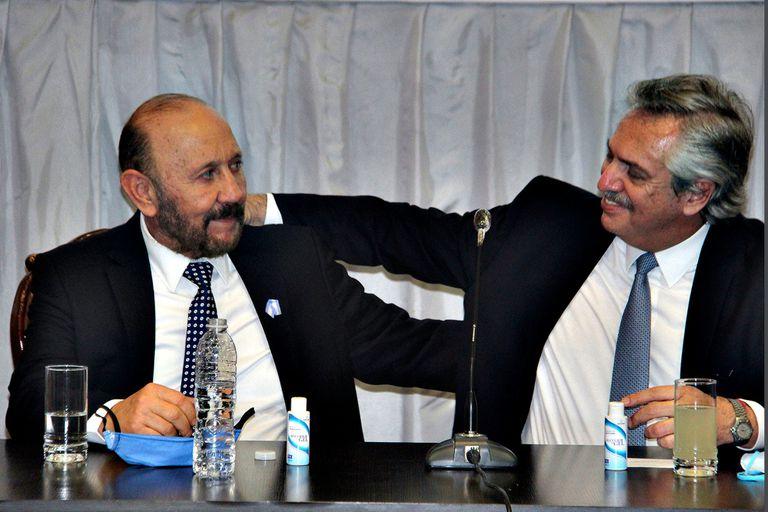 Gildo Insfrán y Alberto Fernández en la visita del Presidente del 28 de mayo del año pasado. Habían transcurrido 2 meses y días del comienzo de la cuarentena y Formosa aún no tenía positivos.