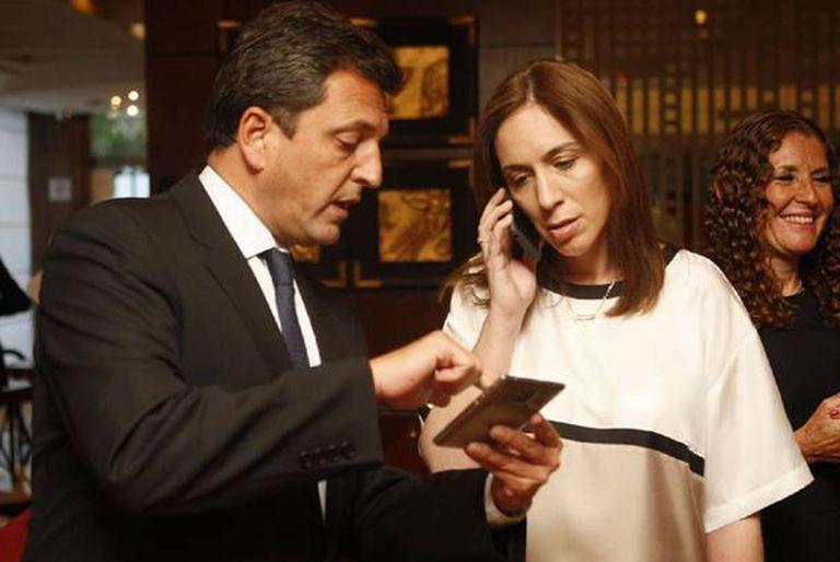 La prohibición de la re-reelección de los intendentes se dispuso por una ley que se aprobó con votos de legisladores alineados con María Eugenia Vidal y Sergio Massa