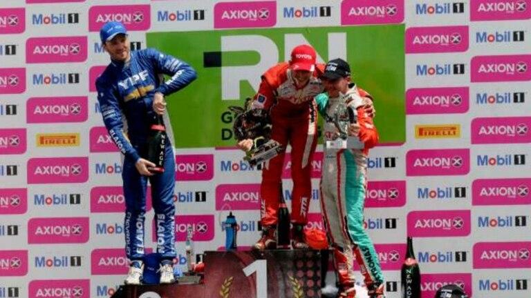 Rossi ganó en General Roca pero Canapino quedó cerca del título