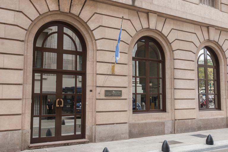 La administración de Macri había previsto un presupuesto superior a los $10.100 millones en inteligencia para el año próximo. Alberto Fernández sostuvo que destinará una parte de esos fondos a su plan contra el hambre, aunque las partidas en juego podrían ser mucho menores.