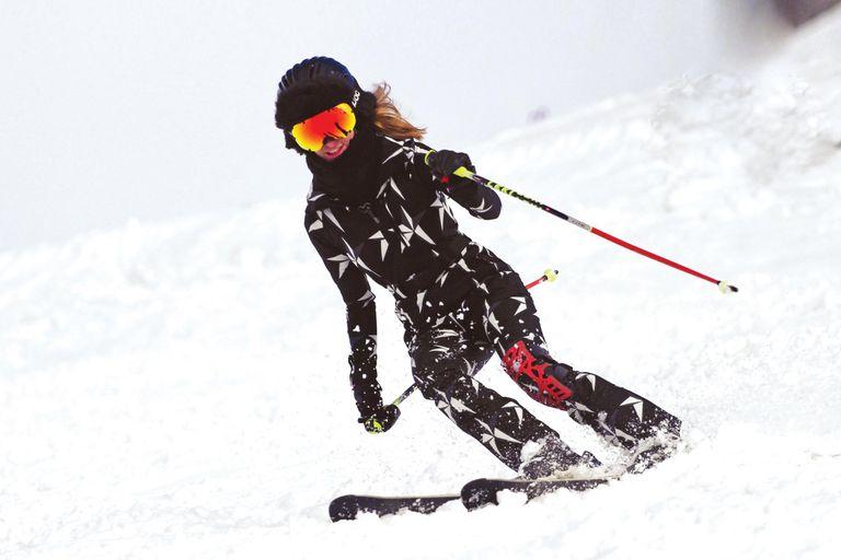 Hace cinco años Puli sufrió una fuerte caída jugando al polo, y desde entonces tiene que esquiar con una férula