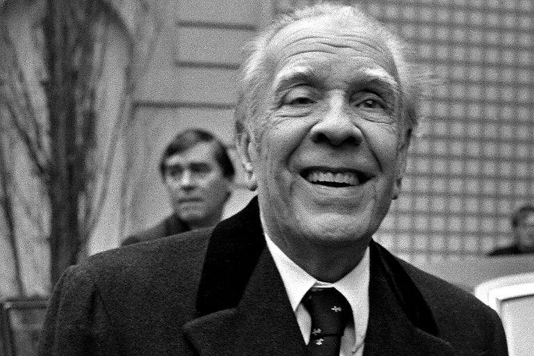 Leer las obras de Jorge Luis Borges por primera vez es como descubrir una nueva letra en el alfabeto, o una nueva nota en la escala musical