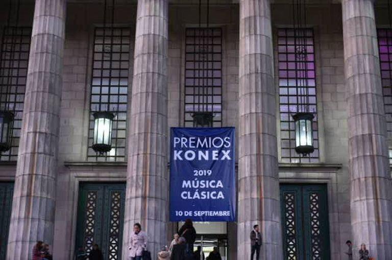 La Facultad de Derecho, en su renovado salón de actos, fue sede de la ceremonia de los premios Konex