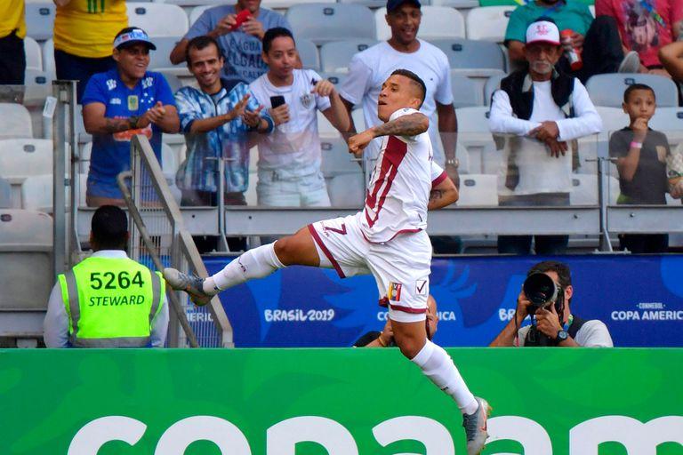El festejo de Machis, tras el gol de Venezuela