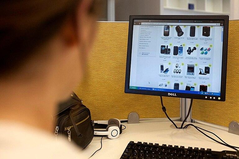 Más controles a las compras en sitios internacionales por Internet