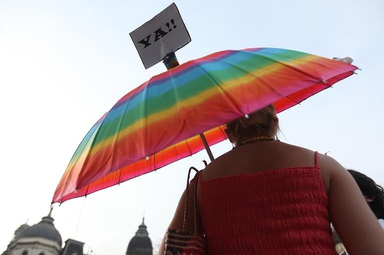 La resolución incorpora al Programa Médico Obligatorio la cobertura del cien por ciento del tratamiento hormonal de cambio de género en el sistema público y privado