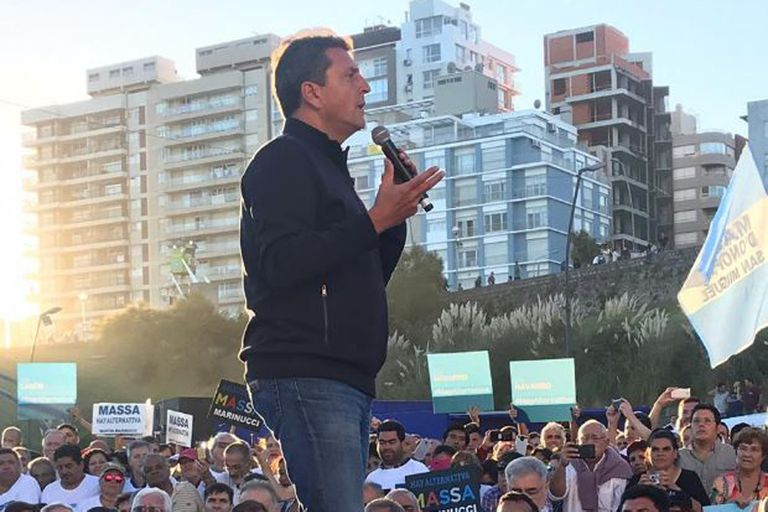 El precandidato presidencial Sergio Massa fue el más explícito en su reclamo de dar forma a una fuerza amplia y capaz de ganar en segunda vuelta al oficialismo