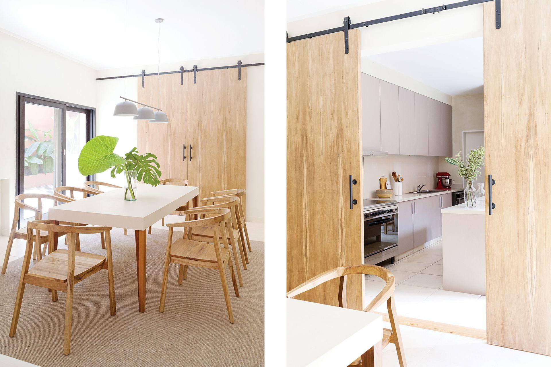 Mesa (Talleres Sustentables) con sillas 'Turu' de petiribí (Kamura Muebles) y lámpara colgante con barral y tres luces 'Múnich' (Flo's Market).