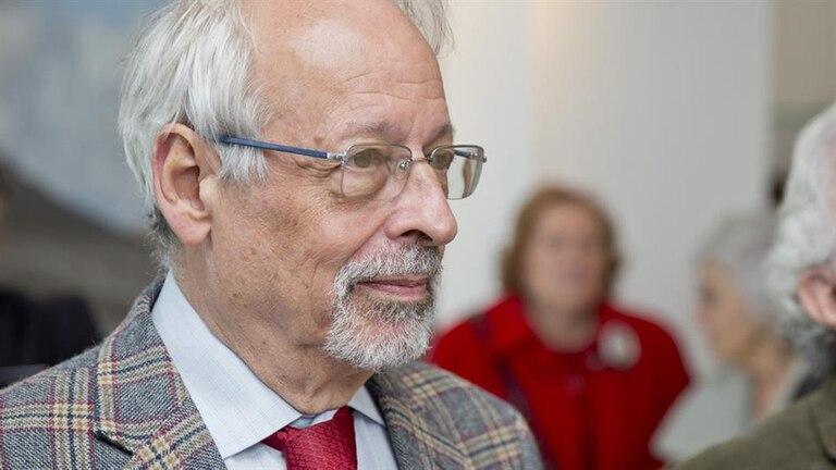 Horacio Verbitsky contó cómo fue vacunado en el Ministerio de Salud durante una de sus columnas radiales