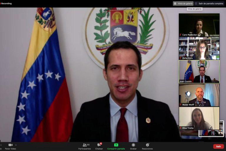 La oposición venezolana rechaza el llamado a comicios legislativos en diciembre