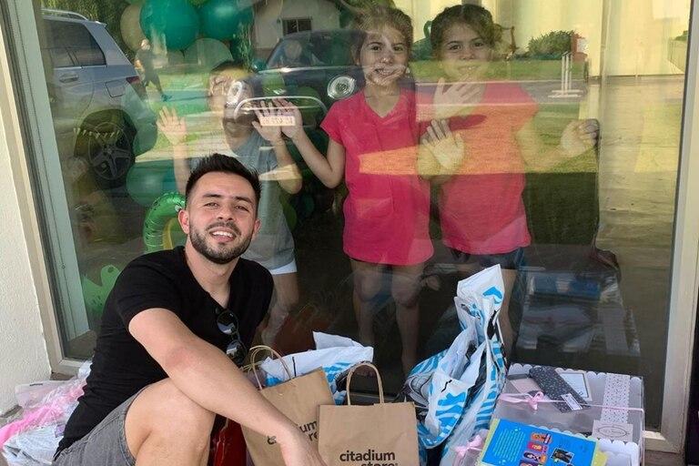Matías Defederico fue a visitar a sus hijas y estuvo reunido a través de un vidrio