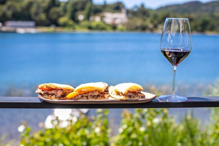 Bariloche ofrece una experiencia gastronómica de alto nivel, con productos locales y reconocidos chefs