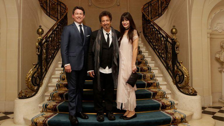 Al Pacino y Lucila Polak junto al embajador norteamericano