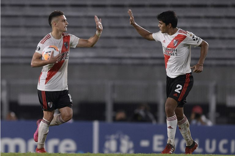 Borré y Rojas, partícipes de la goleada ante el equipo peruano