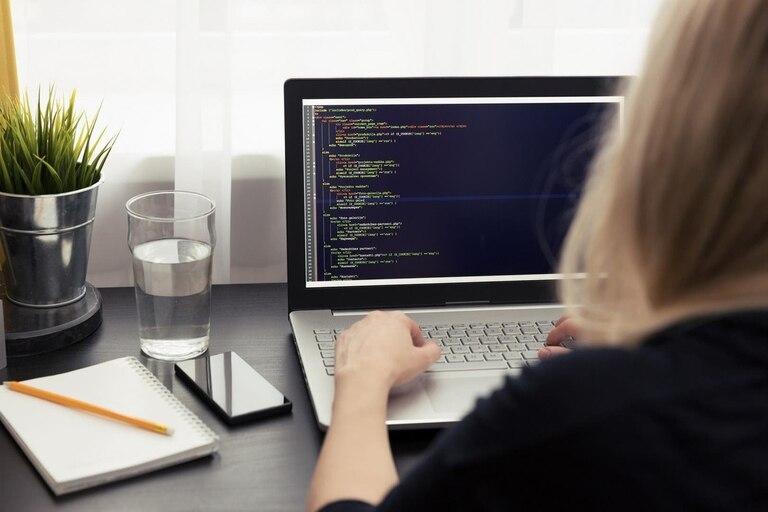 Programadores, uno de los rubros más solicitados