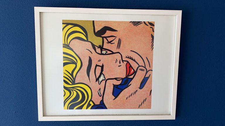 """Pop: besos, lágrimas y colores primarios en una reproducción de """"The Kiss V"""", de Roy Lichtenstein"""