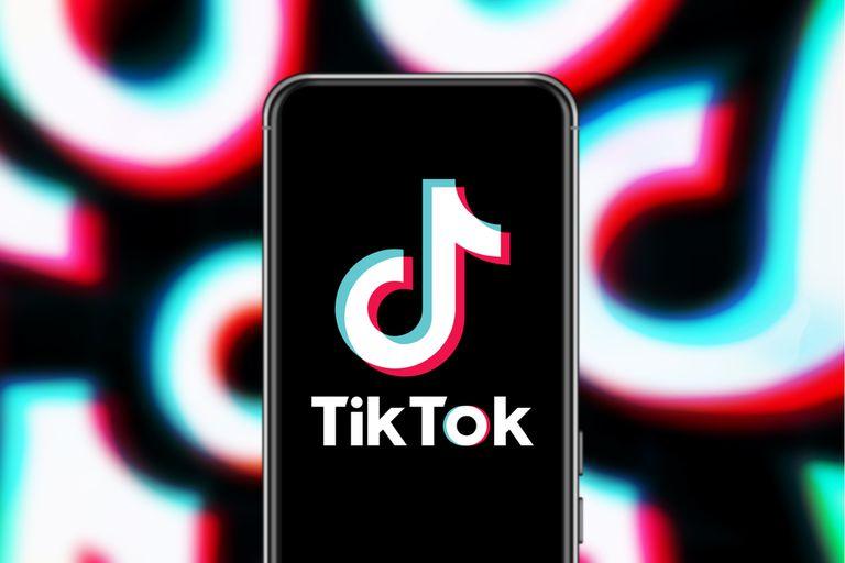 El algoritmo de TikTok favorece la expansión y seguimiento de contenidos de extrema derecha en Estados Unidos, según un estudio