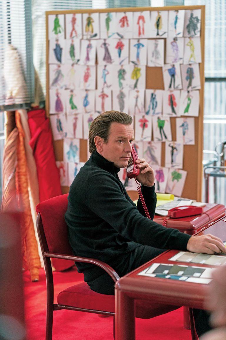 El actor Ewan McGregor en una escena de la biopic sobre el diseñador.