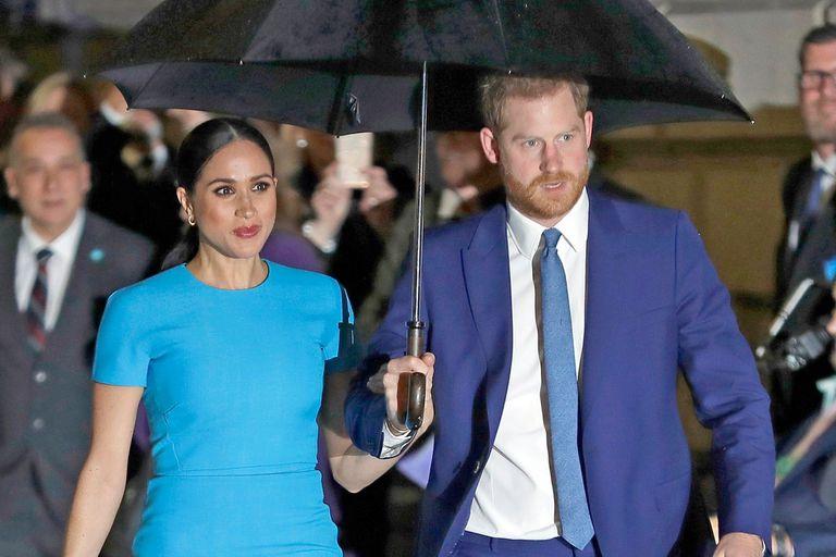 El inesperado llamado que el príncipe Harry recibió de su exnovia horas antes de casarse con Meghan