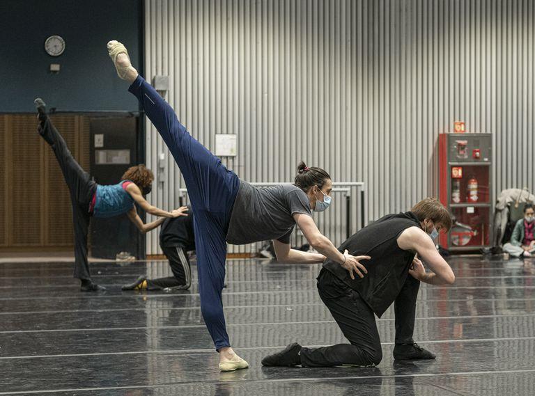 El Teatro Colón reprogramó para septiembre sus funciones de ballet por un caso de covid-19