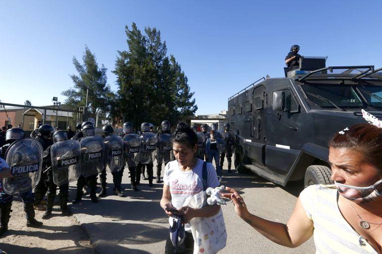 El operativo familiar impidió que familiares de detenidos se acercasen a la puerta del complejo penal de San Martín