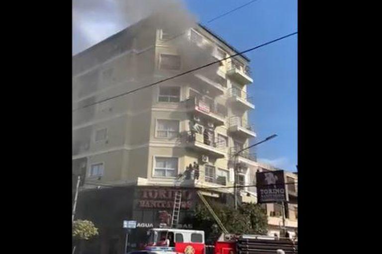 Incendio en Ramos Mejía: tres muertos, entre ellos una menor de diez años