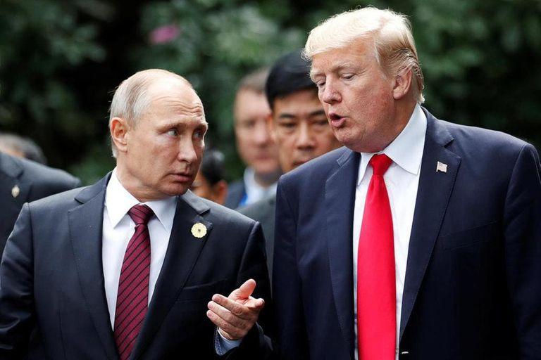 El presidente de Rusia Vladimir Putin y el presidente de Estados Unidos Donald Trump en uno de sus encuentros