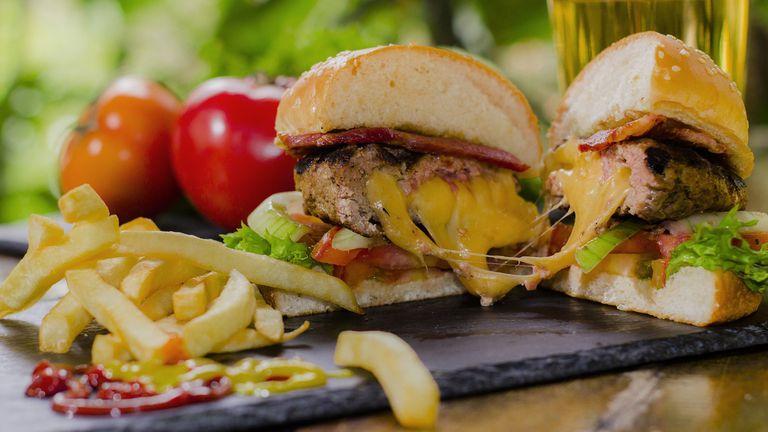 La dieta diaria Occidental perjudica los niveles de colesterol.