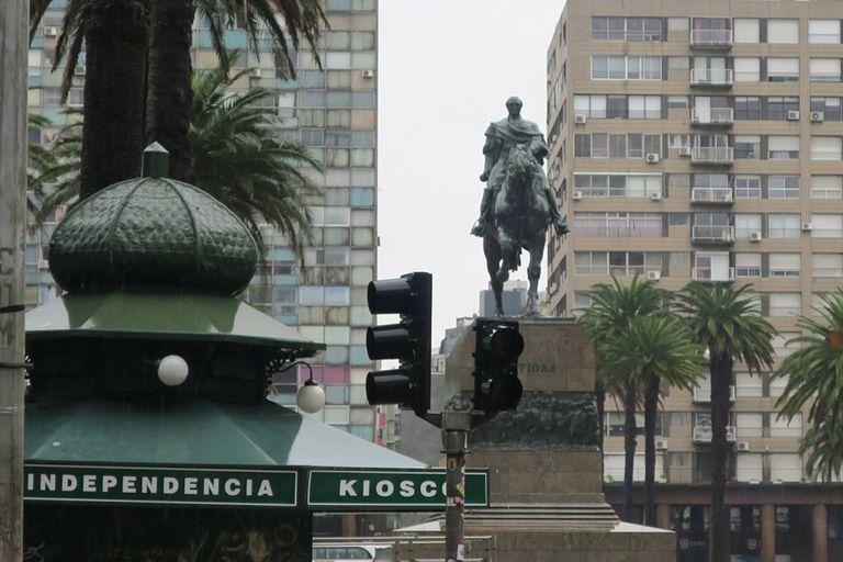 El 25 de agosto de 1825 lo que hoy es Uruguay decidió independizarse del imperio brasileño y unirse a las Provincias Unidas del Río de la Plata