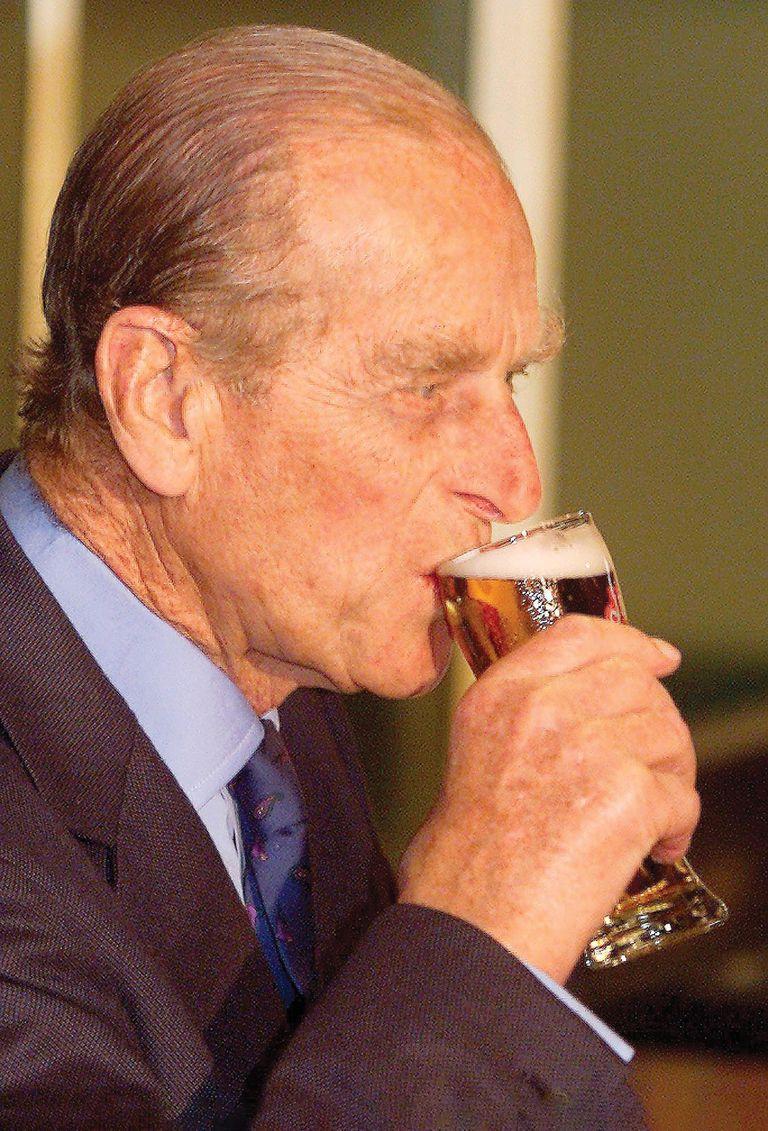 El duque de Edimburgo, fanático de la cerveza.