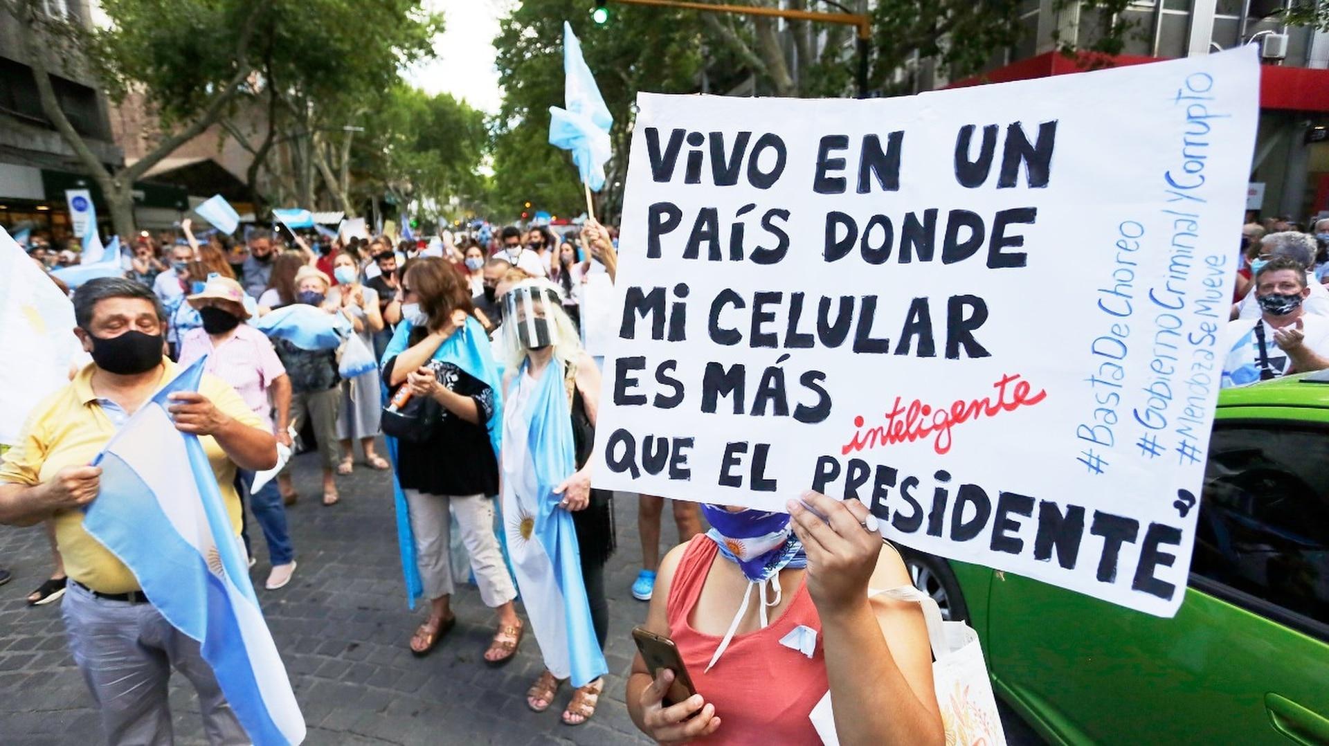 La convocatoria a la marcha #27F en Mendoza.
