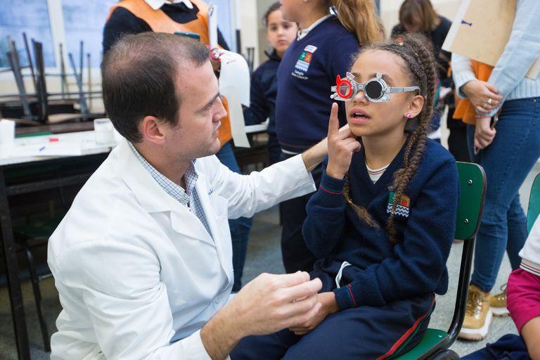 La Fundación Médica de Salud Visual y Rehabilitación (Fusavi) atiende personas en situación de vulnerabilidad para brindarles tratamientos en problemas de salud visual.