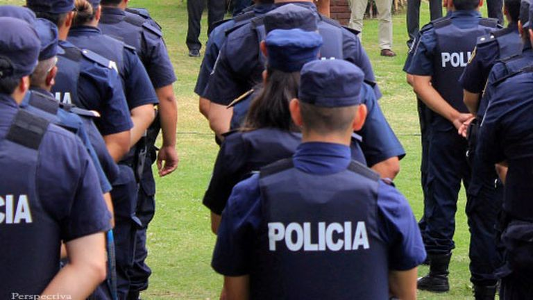 Conurbano: arrestaron a tres policías por el robo de cables