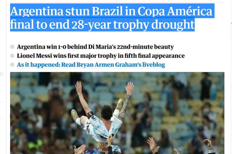 The Guardian, mientras espera la final de la Eurocopa entre Inglaterra e Italia, también se enfocó en la Argentina campeón de América