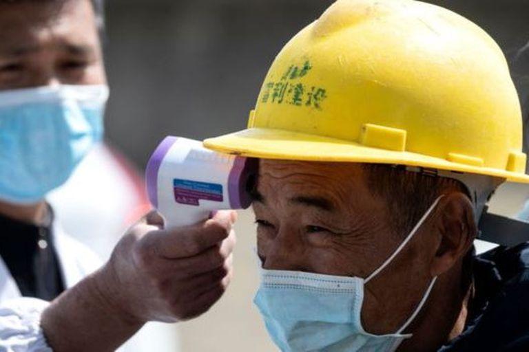 China realiza diversos controles para detectar fiebre como síntoma del covid-19
