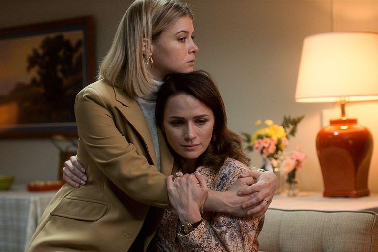 Sarah Jones y Shantel VanSanten, grandes protagonistas femeninas de la serie de Ron Moore
