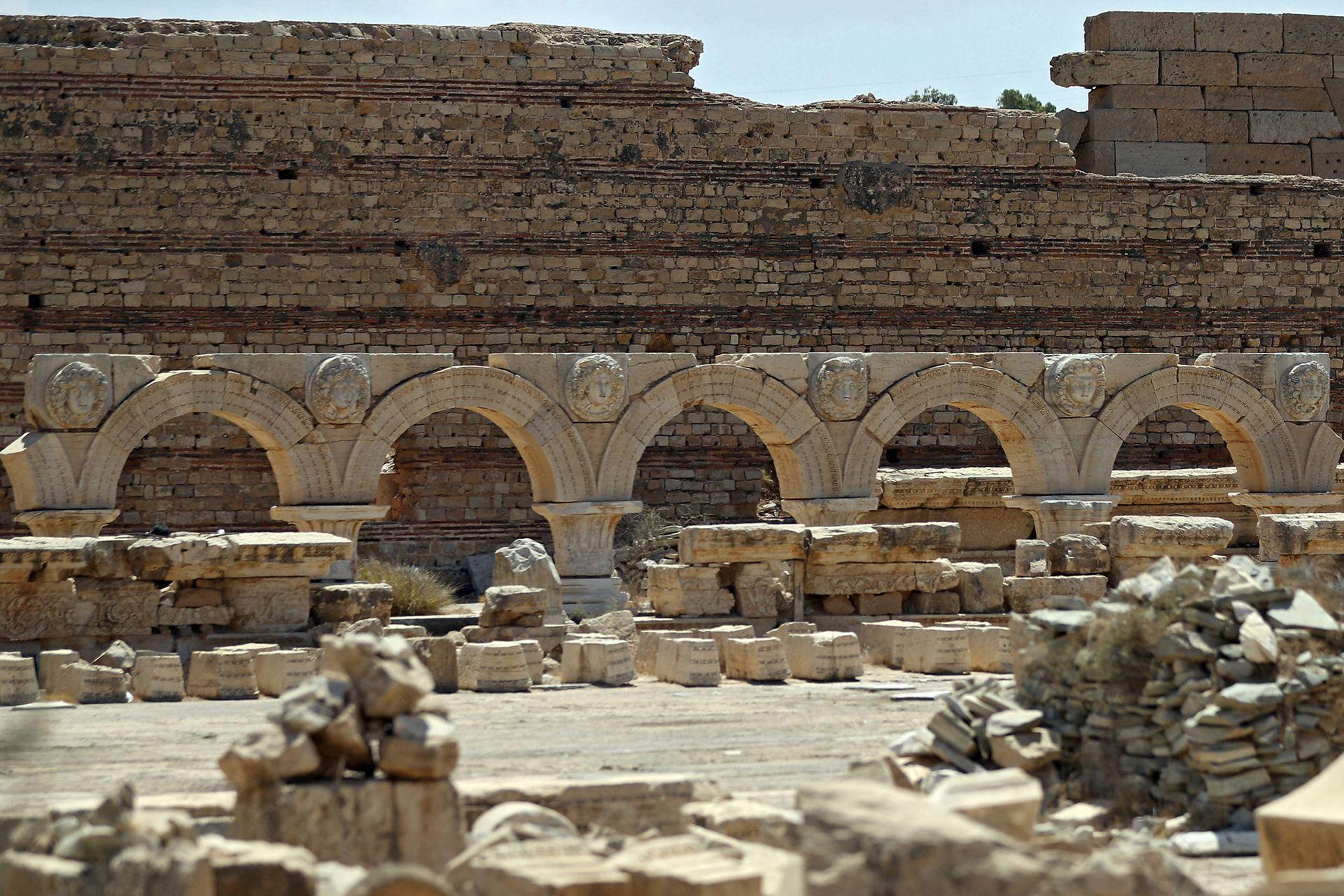 Leptis Magna en Libia Coast fue una vez una de las ciudades más bellas del Imperio Romano, pero ahora está abandonada y rechazada por los turistas debido a una década de guerra
