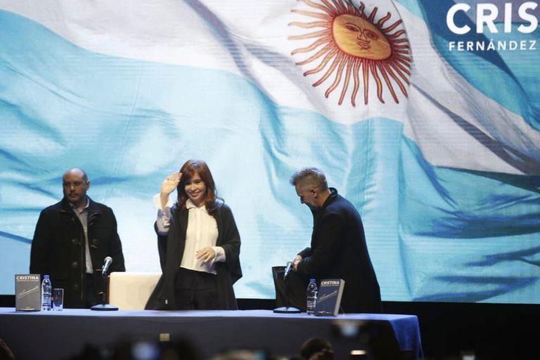 Cristina Kirchner presentó su libro en Mar del Plata