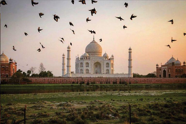 Postal del emblemático Taj Mahal, histórico mausoleo ubicado en la ciudad de Agra (ya cerrado al público, al momento que esta nota salga publicada por el coronavirus).