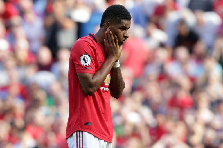 Marcus Rashfor y un gesto elocuente: su decepción después de haber fallado un penal para Manchester United, que perdió de local ante Crystal Palace.