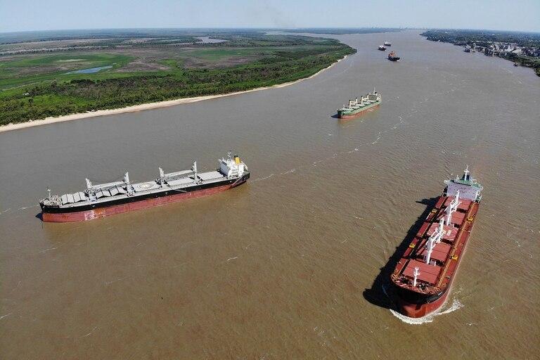 Carga por la hidrovía circula gran parte del comercio exterior de la argentina