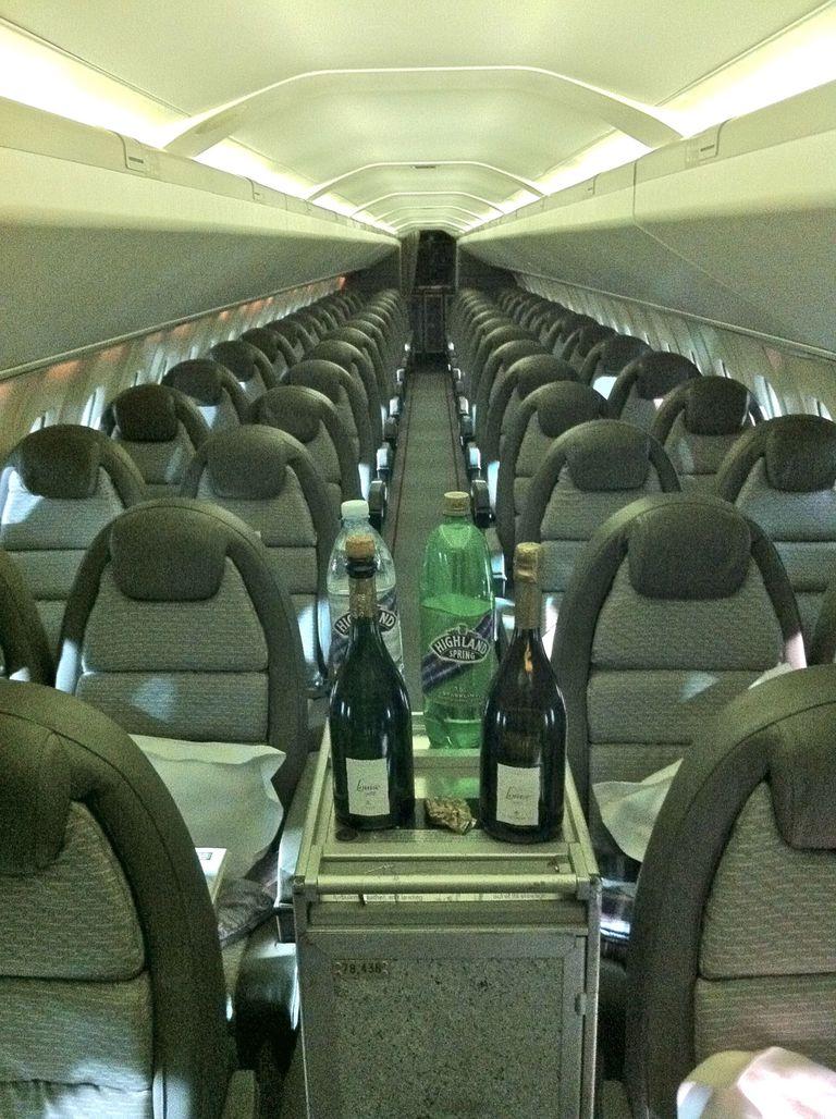 El champagne era habitual a bordo del Concorde. Crédito: Pinterest