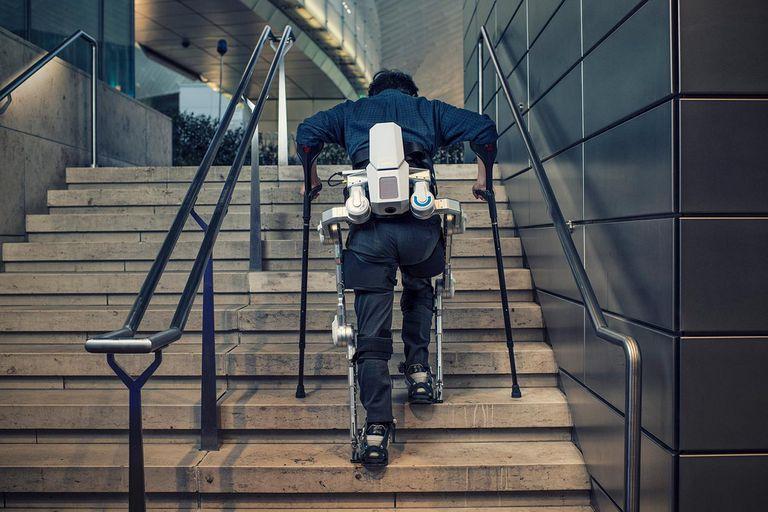 Hyundai Universal Medical Assist (HUMA) es un exoesqueleto que se acopla a la cintura y a las piernas y refuerza los músculos