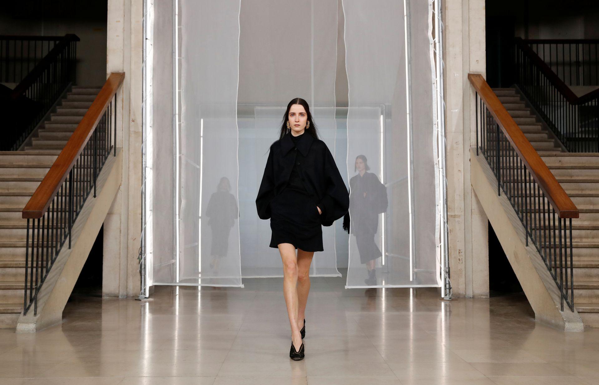 Colección de Maiko Kurogouchi para Mame Kurogouchi, en París Fashion Week 2020