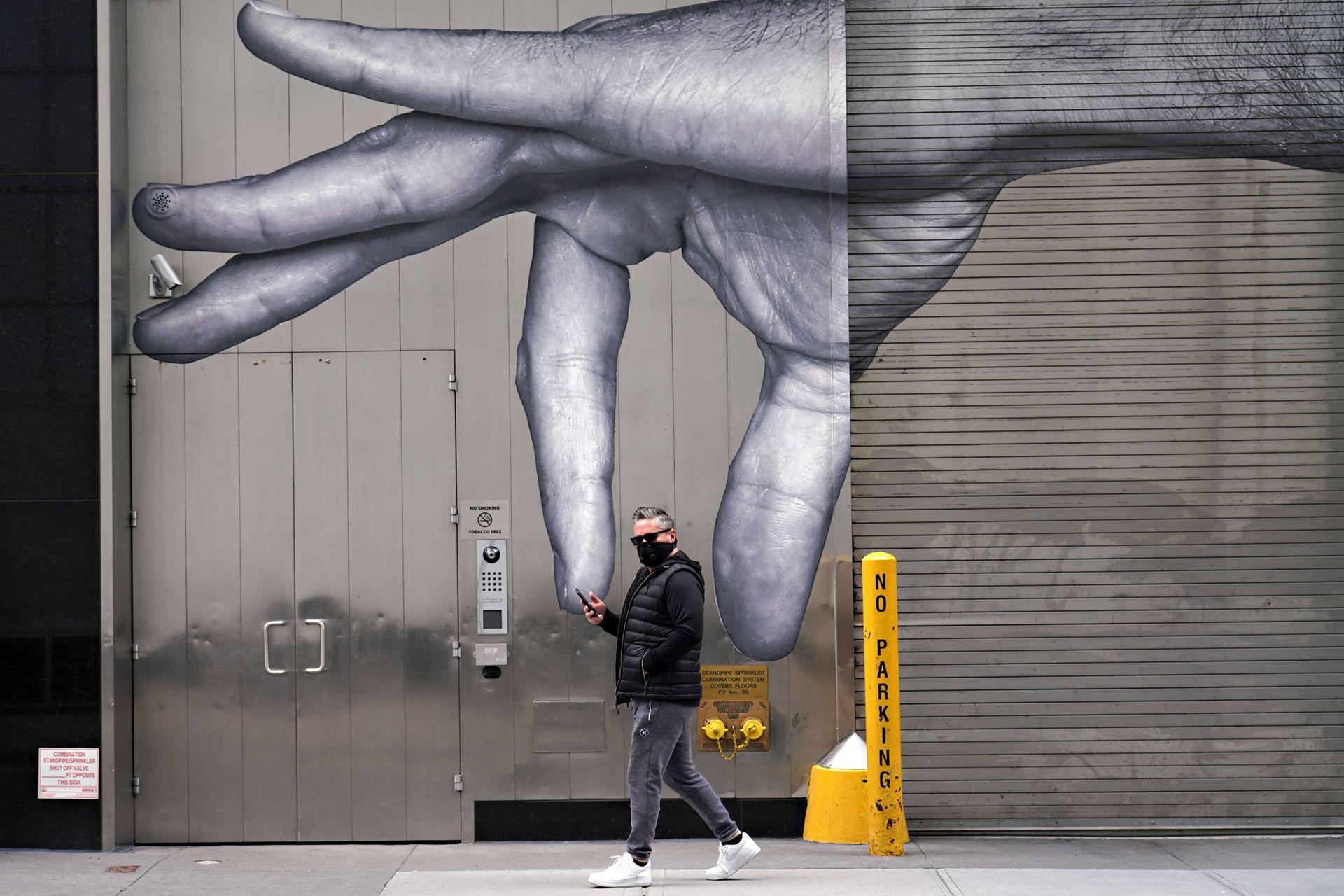 Un mural pintado en una calle de Nueva York