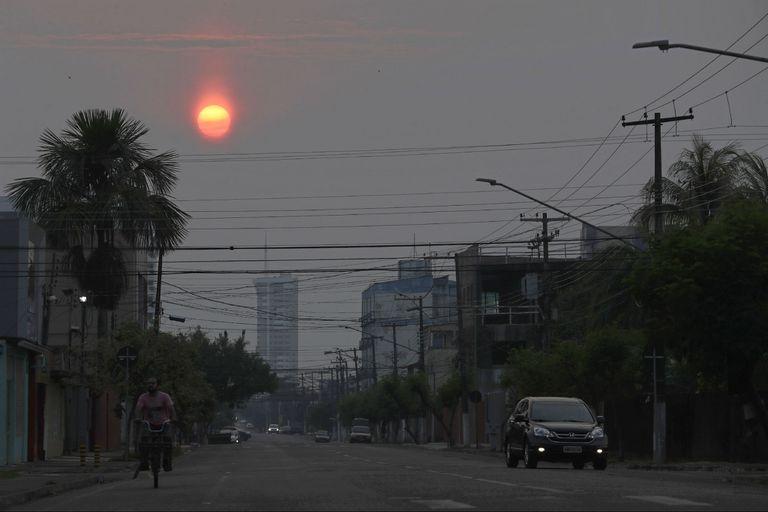 Los habitantes de Porto Velho conviven con una densa capa de humo