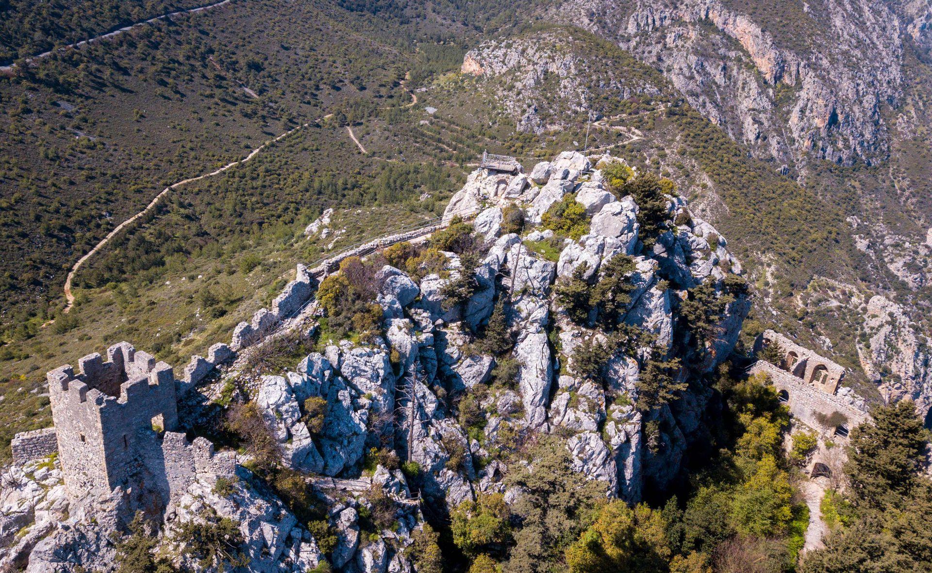 Las fábulas sobre los templarios son legendarias, pero en las profundidades de un castillo de Chipre, una isla del Mediterráneo que perteneció a la cofradía de los cruzados, se esconde un patrimonio todavía muy visible, según los historiadores