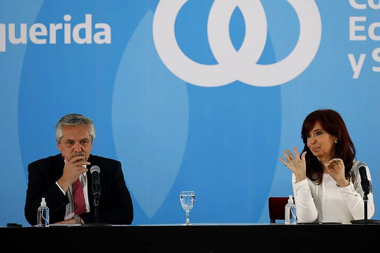 Anuncio del presidente Alberto Fernández junto a la vicepresidenta Cristina Fernández