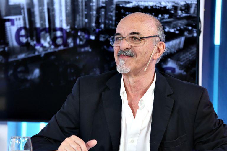 Carlos Tomada no definió si buscará renovar su mandato